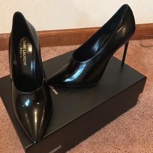 YSL Size 7 Teddy 105 Pump